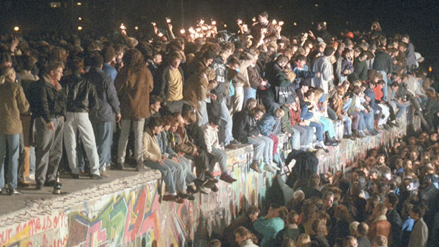 history_opening_of_berlin_wall